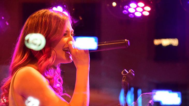 Cantante en Nashville (Tennessee). www.cigarraspirit.com