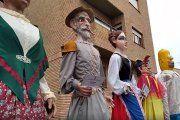 Una modista de Alcorisa confecciona nuevos trajes para Don Quijote y Dulcinea
