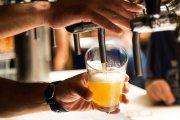 Cerveza y la música de Juantxo Skalari Rude Band en Caspe