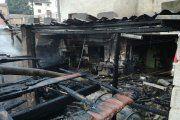Dos personas heridas al arder su carpintería en Beceite
