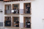 Hijaranos por el mundo preparados para Romper la Hora desde el balcón