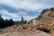 Grandes desprendimientos sobre la carretera entre Alcorisa y Berge