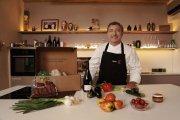 El cocinero Joan Roca elige aceitunas del Bajo Aragón para su gazpacho