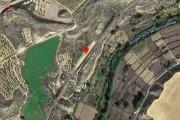 Un conato de incendio junto a la vía de Caspe obliga a interrumpir la circulación