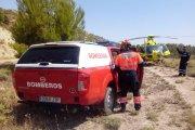 Herido grave al caer su coche por un barranco